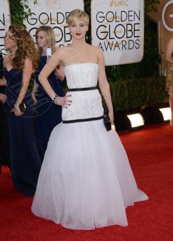 Jennifer Lawrence - Beverly Hills - 12-01-2014 - Bianco e nero: un classico sul tappeto rosso!