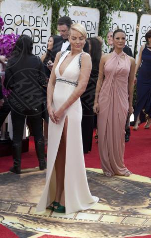 Margot Robbie - Beverly Hills - 12-01-2014 - The Legend of Tarzan, le prime foto dal set