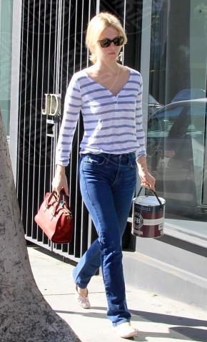 January Jones - Los Angeles - 14-01-2014 - In primavera ed estate, vesti(v)amo alla marinara