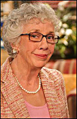 Ann Morgan Guilbert, La Tata - 17-01-2014 - Gli attori della Tata festeggiano i 21 anni della serie