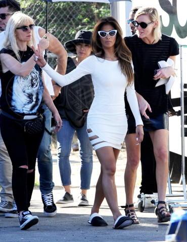 Nicole Scherzinger - Los Angeles - 21-01-2014 - Celebrity con i piedi per terra: W le pantofole!