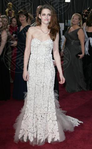 Kristen Stewart - Los Angeles - 24-02-2013 - Indecisa sull'abito nuziale? Ispirati al red carpet!