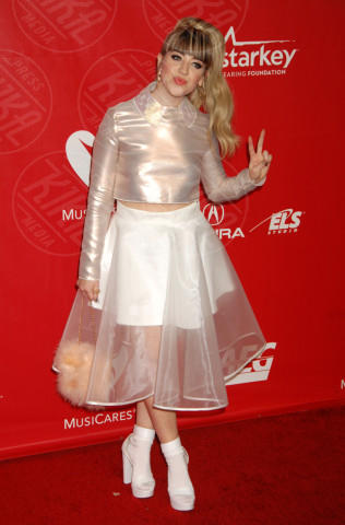 Leah McFall - Los Angeles - 24-01-2014 - Vita stretta e gonna ampia: bentornati anni '50!