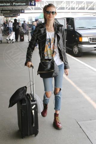 Behati Prinsloo - Los Angeles - 29-01-2014 - In carrozza! Anche il viaggio ha il suo dress code