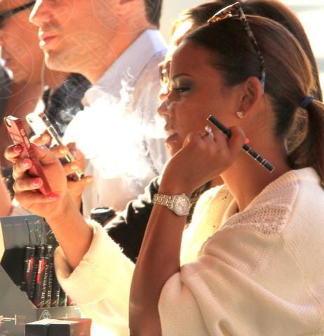 Christina Milian - Los Angeles - 29-01-2014 - Adios tabacco, le star preferiscono il vapore acqueo