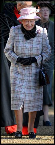 Regina Elisabetta II - Londra - 02-02-2014 - Basta tinta unita! Colora l'inverno con un cappotto fantasia!