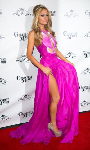 Paris Hilton - Los Angeles - 16-02-2014 - La rivincita delle bionde in rosa shocking: le vip sono Barbie!