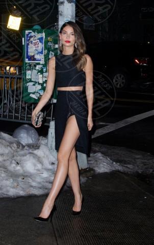 Lily Aldridge - New York - 19-02-2014 - Contro il caldo dell'estate, prendi fresco con lo spacco!