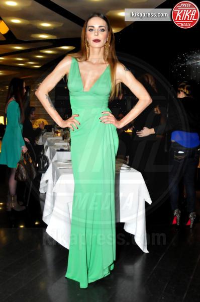 Nina Moric - Milano - 19-02-2014 - Verde acqua, turchese, azzurro Tiffany: i colori dell'estate