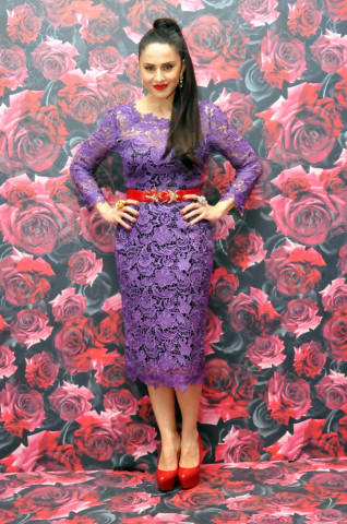 Paola Iezzi - Milano - 22-02-2014 - Il red carpet sceglie il colore viola. Ma non portava sfortuna?