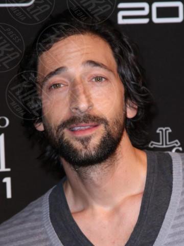 Adrien Brody - Parigi - 28-06-2011 - Hollywood e il mondo sono invasi dai barboni
