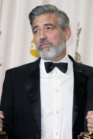 George Clooney - Los Angeles - 24-02-2013 - Hollywood e il mondo sono invasi dai barboni