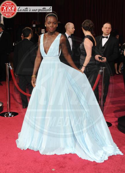 Lupita Nyong'o - Hollywood - 02-03-2014 - Ecco le celebrity che non fanno un plissé… ma mille!