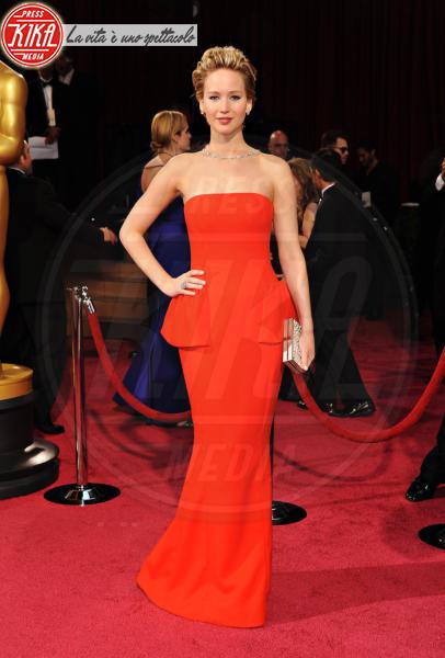 Jennifer Lawrence - Hollywood - 02-03-2014 - Grazie a Dior, Jennifer Lawrence è una regina sul red carpet!