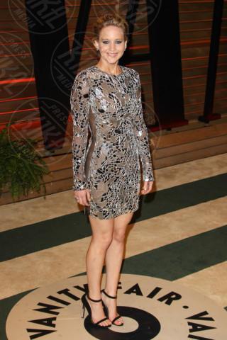Jennifer Lawrence - West Hollywood - 03-03-2014 - Grazie a Dior, Jennifer Lawrence è una regina sul red carpet!