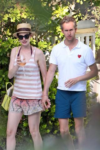 Adam Shulman, Anne Hathaway - Miami - 09-03-2014 - Bianco, rosso o bollicine? Ecco la bevanda più amata dalle star