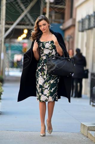 Miranda Kerr - New York - 26-03-2014 - Mini o longuette, ma pieno di fiori: è l'abito della primavera!