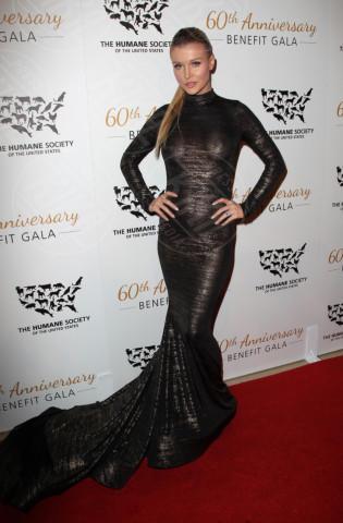Joanna Krupa - Beverly Hills - 30-03-2014 - Sotto il vestito… niente! Ma proprio niente!