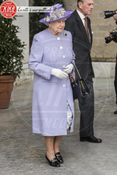 Regina Elisabetta II - Roma - 03-04-2014 - Elisabetta II, viola che vince non si cambia!