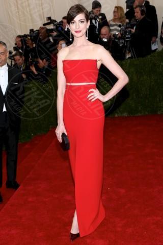 Anne Hathaway - New York - 06-05-2014 - Anne Hathaway, una diva dal fascino… Interstellare!