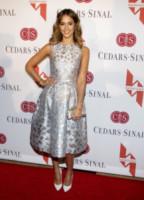 Jessica Alba - Los Angeles - 09-05-2014 - Per Capodanno scegli l'argento e sarai una stella!