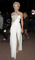 Pamela Anderson - Cannes - 16-05-2014 - Pamela Anderson, compie 50 anni la bagnina più sexy del mondo