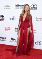 Jennifer Lopez - Las Vegas - 19-05-2014 - Contro il caldo dell'estate, prendi fresco con lo spacco!