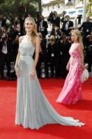 Rosie Huntington-Whiteley - Cannes - 21-05-2014 - Ecco le celebrity che non fanno un plissé… ma mille!