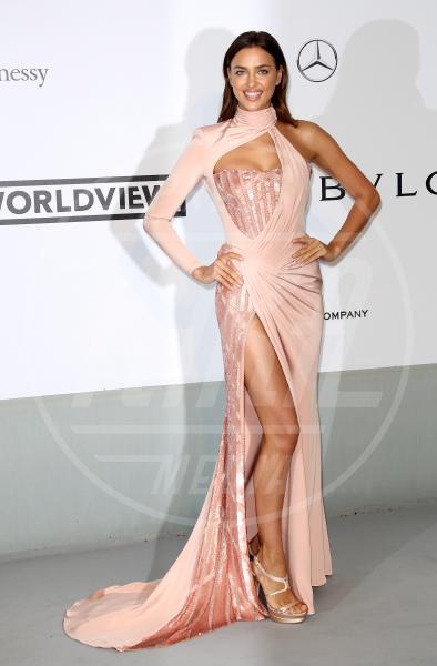 Irina Shayk - Cannes - 22-05-2014 - Contro il caldo dell'estate, prendi fresco con lo spacco!