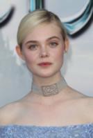 Elle Fanning - Los Angeles - 28-05-2014 - Il collarino effetto Belle Epoque: le star prese per il collo!