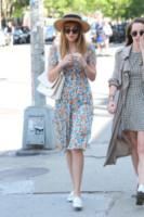 Dakota Johnson - New York - 01-06-2014 - Mini o longuette, ma pieno di fiori: è l'abito della primavera!