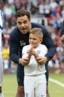 Robbie Williams - Manchester - 08-06-2014 - Alex Del Piero e Robbie Williams in campo per l'Unicef