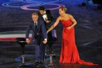 Federica Pellegrini, Filippo Magnini, Paolo Bonolis - Roma - 11-06-2014 - Federica Pellegrini osa e Magnini fa il cavaliere