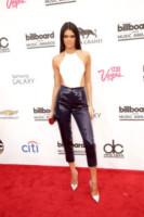 Kendall Jenner - Las Vegas - 18-05-2014 - Bianco e nero: un classico sul tappeto rosso!