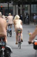 World Naked Bike Ride - Londra - 14-06-2014 - London Naked Bike, Londra si mette a nudo