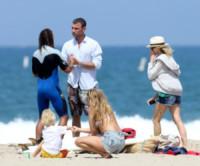 Liev Schreiber, Naomi Watts - Santa Monica - 15-06-2014 - Liev Schreiber, un papà (surfista) da urlo