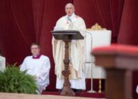 """Papa Francesco - Roma - 19-06-2014 - Papa Francesco celebra il Corpus Domini: """"Il Signore ci sazia"""""""