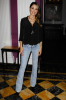 Anna Tatangelo - Roma - 23-06-2014 - Corsi e ricorsi fashion: dagli anni '70 ecco i pantaloni a zampa