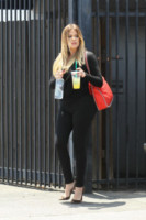 Khloe Kardashian - Los Angeles - 24-06-2014 - Ogni giorno una passerella: Heidi Klum sceglie il tubino rosso