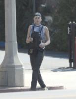 Miley Cyrus - Los Angeles - 25-06-2014 - La salopette: dai cantieri ai salotti dello star system