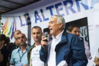 Giuliano Pisapia - Milano - 28-06-2014 - Arriva l'onda arcobaleno: il pride nelle città del mondo