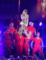 Jennifer Lopez - Miami Beach - 28-06-2014 - Quando le curve sono incontenibili lo strappo è inevitabile