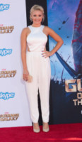 Emily Osment - Los Angeles - 21-07-2014 - Quest'autunno, le celebrity vanno… in bianco!