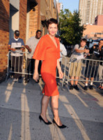 Maggie Gyllenhaal - New York - 30-07-2014 - Giallo e arancione, colori del sole e dell'estate!