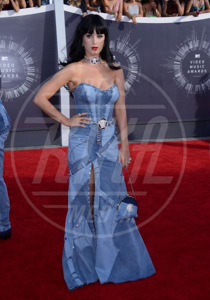 Katy Perry - Inglewood - 25-08-2014 - Il collarino effetto Belle Epoque: le star prese per il collo!
