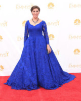 Mayim Bialik - Los Angeles - 26-08-2014 - Emmy Awards 2014, sul red carpet sfilata di bomboniere