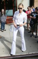 Karolina Kurkova - New York - 07-09-2014 - Corsi e ricorsi fashion: dagli anni '70 ecco i pantaloni a zampa