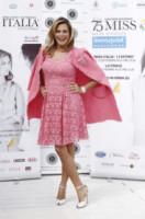 Simona Ventura - Milano - 09-09-2014 - Bianco o colorato, ecco il pizzo di primavera!