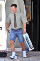 Mark Wahlberg - Miami - 23-04-2012 - Si sta avventurando in un sexy-shop, la riconosci?