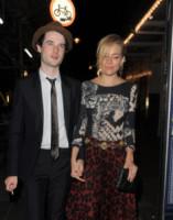 Tom Sturridge, Sienna Miller - Londra - 15-09-2014 - Miller-Sturridge, Cooper-Waterhouse: la doppia coppia vince